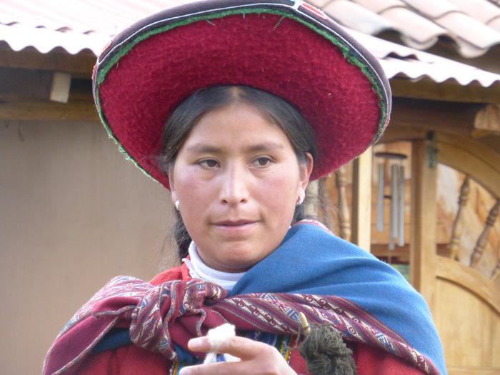 Quechua Weaver - Vegetarian Peru Adventures